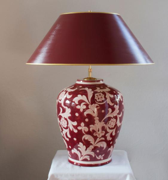 Dunkelrote klassische Vasenlampe handemalt und mit handgefertigtem lackierter Lampenschirm