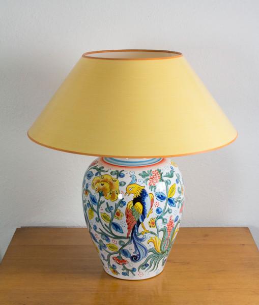 Handgemalte Keramik Tischlampe Paradiesvogel, gelb, blau bunt mit gelbem Strichlackschirm