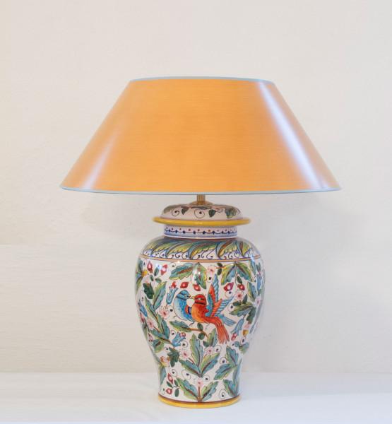 Keramik Vasenleuchte in Potpourriform mit Vogelmotiv, handgemalt 52 cm mit orangem Schirm