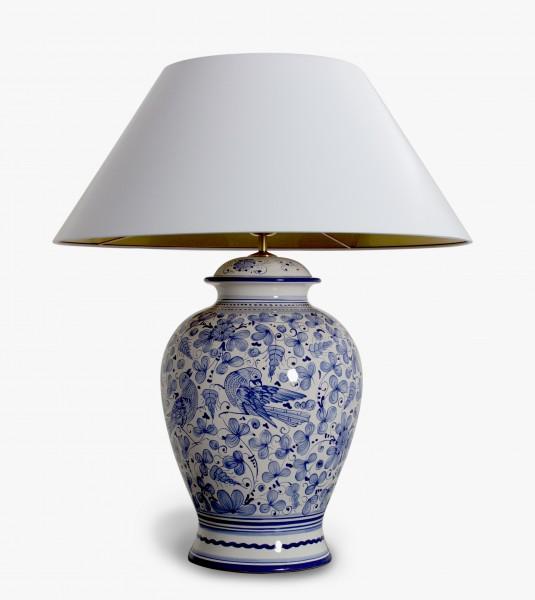 Klassische Handgemalte blauweisse Keramiktischlampe  aus Italien