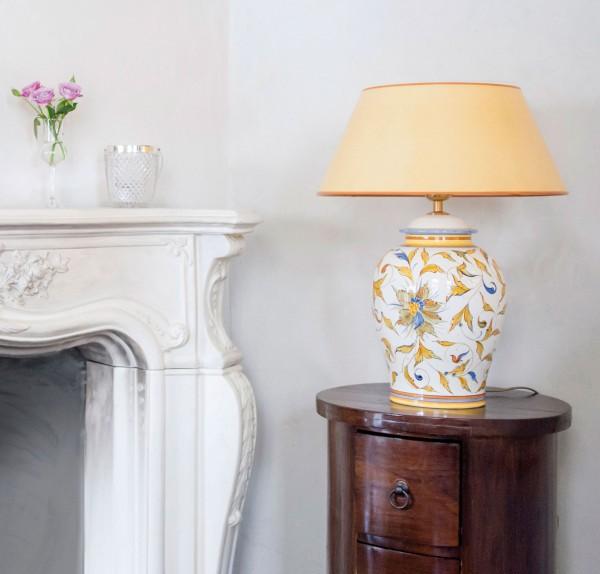 Handgemalte Keramik Tischlampe Raffaello mit gelbem Strichlackschirm