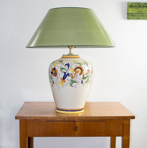 Tischlampe Spello mit grünem Strichlackschirm 60 cm